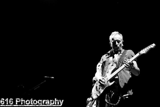 photo-Phil-Collen-alternative-rock-Man-Raze-Surreal