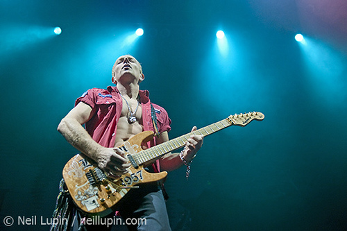photo-Phil-Collen-guitar-solo-project-Man-Raze-Paul