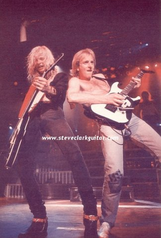 photo-Def-Leppard-heavy-metal-band-pyromania