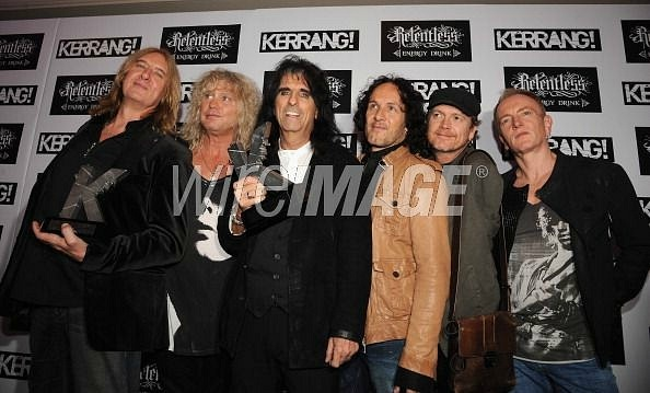 photo-Def-Leppard-with-Alice-Cooper-shock-rock