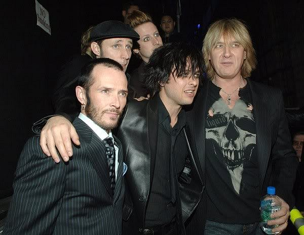 photo-Def-Leppard-with-Green-Day-punk-rock-band