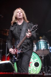 photo-Joe-Elliott-Phil Martini-down-n-outz