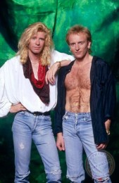 photo-Def-Leppard-rock-band-pour-some