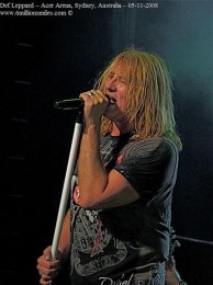 photo-Joe-Elliott-behind-scene-Def-Leppard