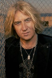 photo-Joe-Elliott-biography-Def-Leppard-history