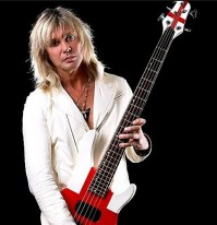 photo-Rick-Savage-hard-rock-band-Def-Leppard
