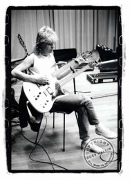 photo-Steve-Clark-guitar-legend-Def-Leppard