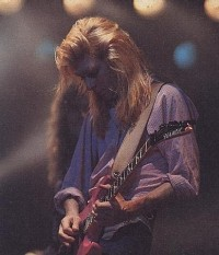 photo-Steve-Clark-heavy-metal-guitar-Hysteria-Def-Leppard