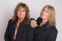photo-Def-Leppard-with-David-Coverdale-Joe-Elliott-rock-band
