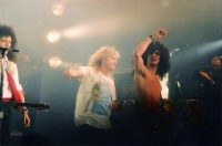 photo-Def-Leppard-with-Slash-Brian-May